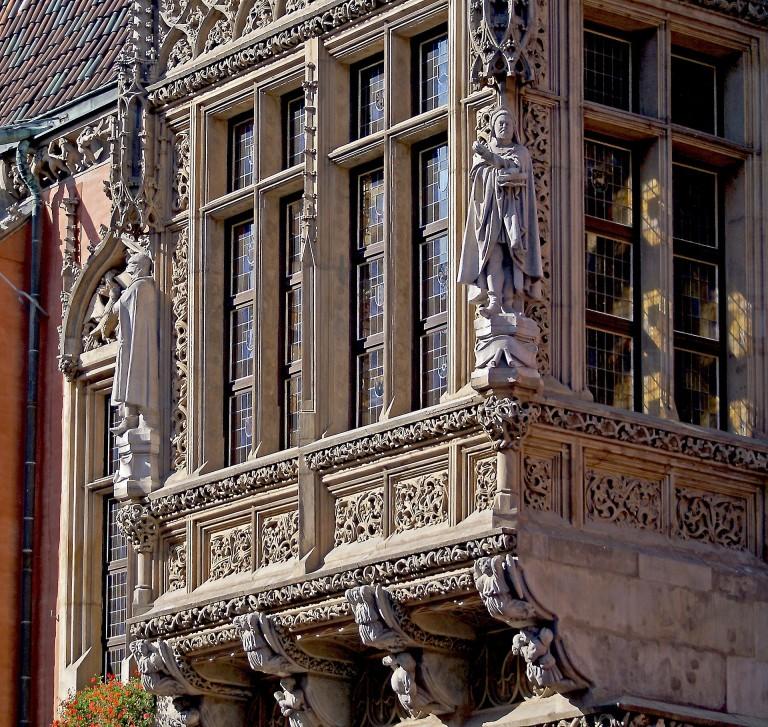 Finestra del Municipio Vecchio.