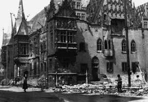 Rynek devastato dalla seconda guerra mondiale